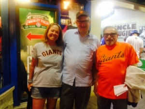 Giants fans converge on Wrigley.